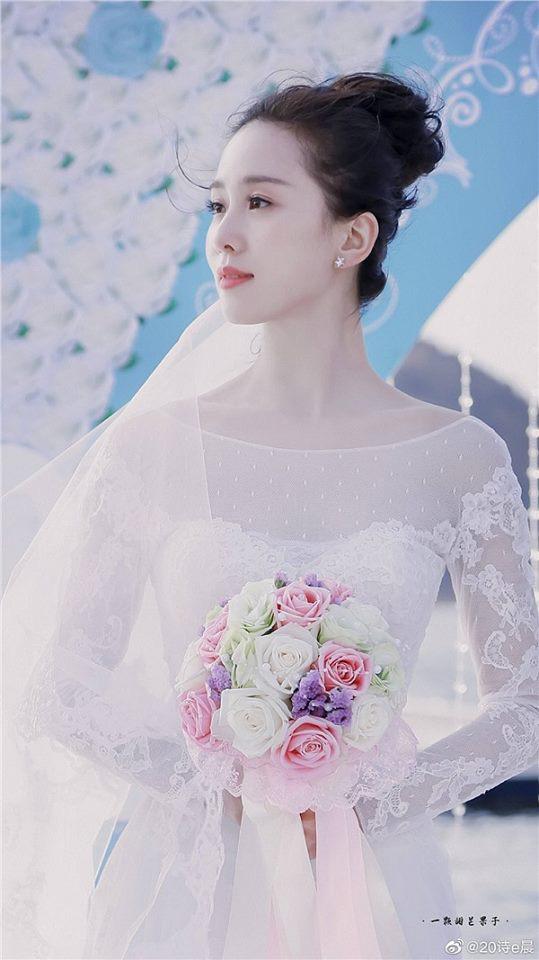 9 cô dâu nhan sắc đỉnh bức người ở màn ảnh Hoa ngữ: Cứ nghĩ thần thái là thế nhưng Địch Lệ Nhiệt Ba vẫn chưa phải đỉnh nhất nha! - ảnh 8