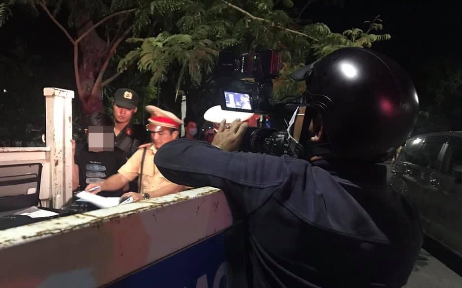 Thanh niên bị CSGT chặn bắt khi đi ô tô về nhà lấy ma tuý cho bạn nhậu sử dụng