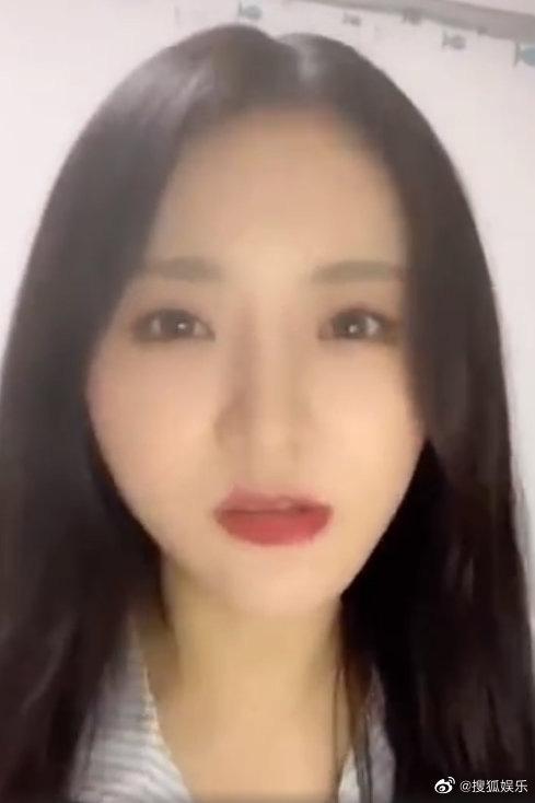 Biến căng: Học trò Lisa lên livestream tố ekip Thanh Xuân Có Bạn đòi tiền nối tóc lên đến 200 triệu, thực hư là gì? - ảnh 1