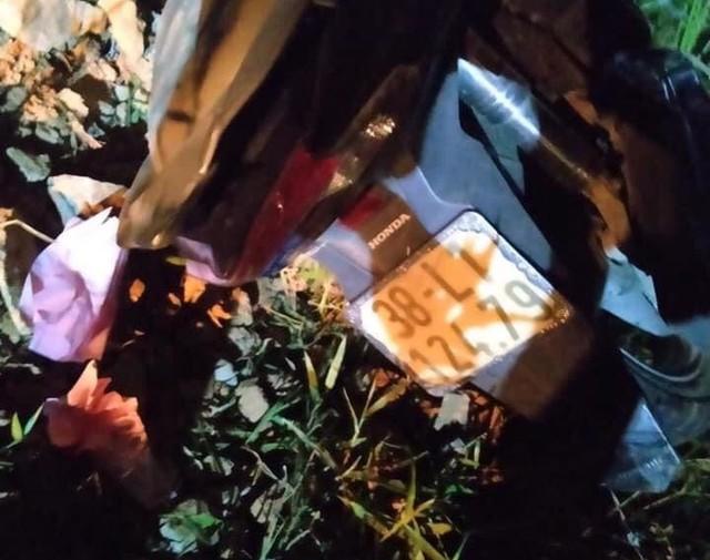 Hà Tĩnh: Đâm vào cột mốc, 2 thiếu niên tử vong tại chỗ - ảnh 1