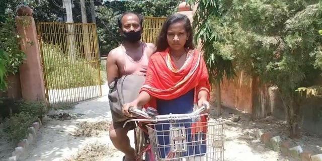 Bức ảnh bé gái 15 tuổi đạp xe 1.200km đưa bố về quê gây bão MXH và câu chuyện khiến mọi người vừa thương vừa nể phục - ảnh 3