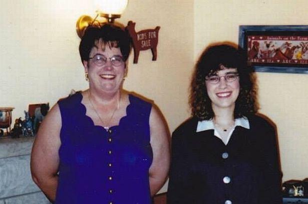 Cô gái 19 tuổi đột ngột phát hiện mình gánh trên vai món nợ khổng lồ, đến khi mẹ qua đời mới biết được việc làm của bà với gia đình - ảnh 3