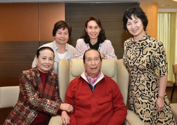 Chuyện đời ly kỳ của 4 bóng hồng kề cận trùm sòng bạc Macau suốt 98 năm cuộc đời: Xuất thân khác biệt nhưng nhan sắc và tài năng đều có thừa - ảnh 4