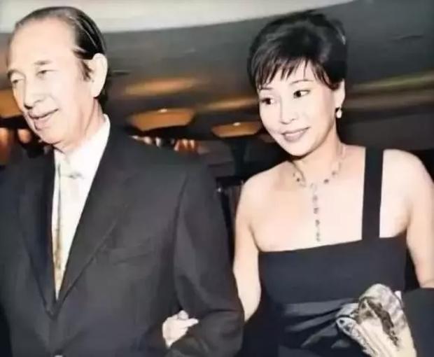 Chuyện đời ly kỳ của 4 bóng hồng kề cận trùm sòng bạc Macau suốt 98 năm cuộc đời: Xuất thân khác biệt nhưng nhan sắc và tài năng đều có thừa - ảnh 5