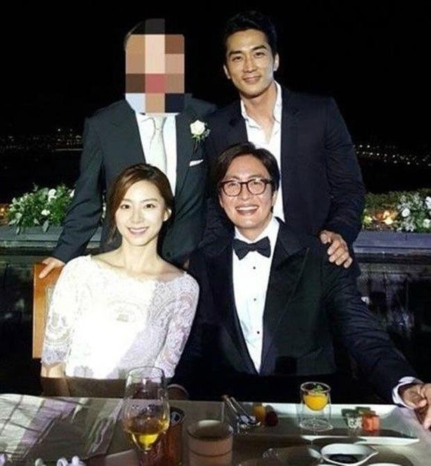 Bae Yong Joon: Quá khứ nghèo khổ, bị giới hào môn chối bỏ rồi thành ông hoàng Kbiz hô biến mỹ nhân Vườn sao băng thành bà hoàng - ảnh 11