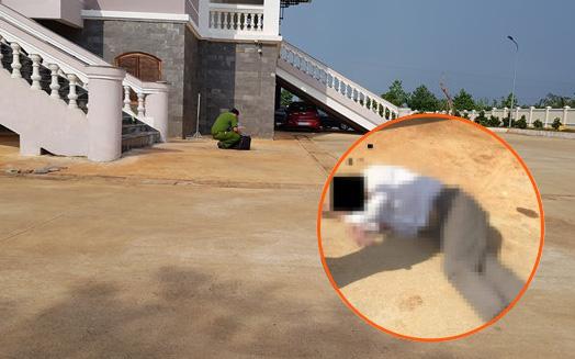 Tòa tuyên án buổi sáng, đến chiều bị cáo vào TAND tỉnh Bình Phước nhảy từ lầu 2 xuống đất tự sát