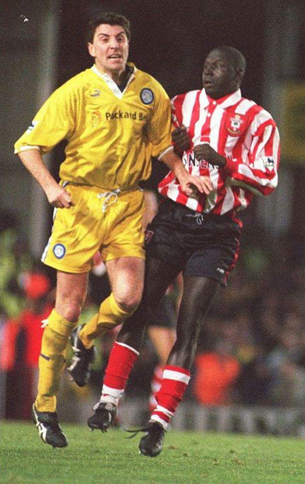 Ali Dia và cú lừa kinh điển trong lịch sử Ngoại hạng Anh, khi ra sân 53 phút mà không biết chơi bóng - ảnh 3
