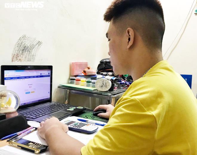 Hà Nội thi thử trực tuyến: Học sinh 'loạn cào cào' vì lỗi hệ thống, nghẽn mạng - ảnh 1