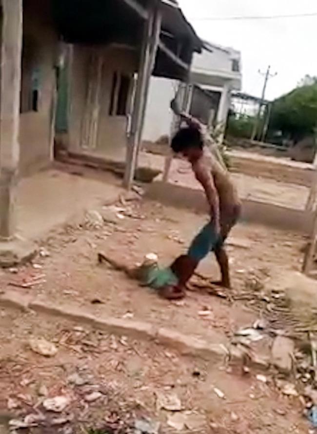 Quá khứ của gã đàn ông bạo hành dã man con 6 tuổi: Cha già bỏ xứ vì bị con đánh đập, vợ lấy chồng khác để lại 3 con thơ - ảnh 2
