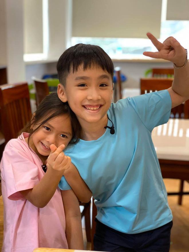 """Thu Trang tung loạt ảnh new couple"""" cực tình của quý tử và con gái Đoan Trang: Chờ gì mà không """"đẩy thuyền"""" nè cô chú ơi! - ảnh 7"""