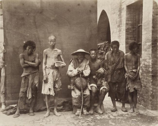 Loạt ảnh triều nhà Thanh nửa cuối thế kỷ 19: Khoảng cách giữa giới thượng lưu, trung lưu và bình dân khiến người xem phải ngỡ ngàng - ảnh 12