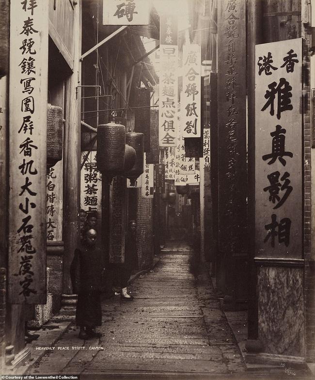 Loạt ảnh triều nhà Thanh nửa cuối thế kỷ 19: Khoảng cách giữa giới thượng lưu, trung lưu và bình dân khiến người xem phải ngỡ ngàng - ảnh 15