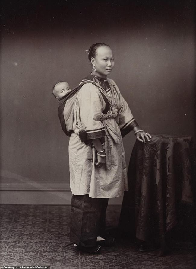 Loạt ảnh triều nhà Thanh nửa cuối thế kỷ 19: Khoảng cách giữa giới thượng lưu, trung lưu và bình dân khiến người xem phải ngỡ ngàng - ảnh 9