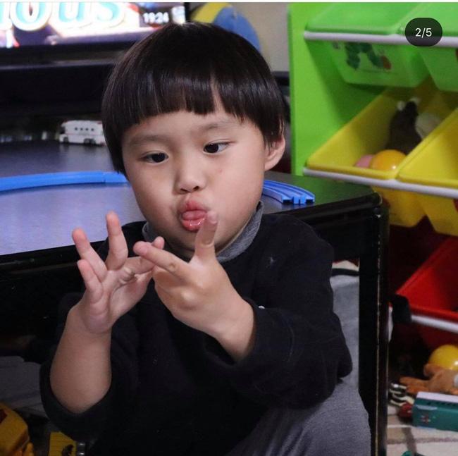 Biết nhóc Sa lầy lội khi quay vlog cùng mẹ Quỳnh Trần JP, song hình ảnh đời thường của Sa qua ống kính của bố mới thật đáng yêu làm sao! - Ảnh 8.