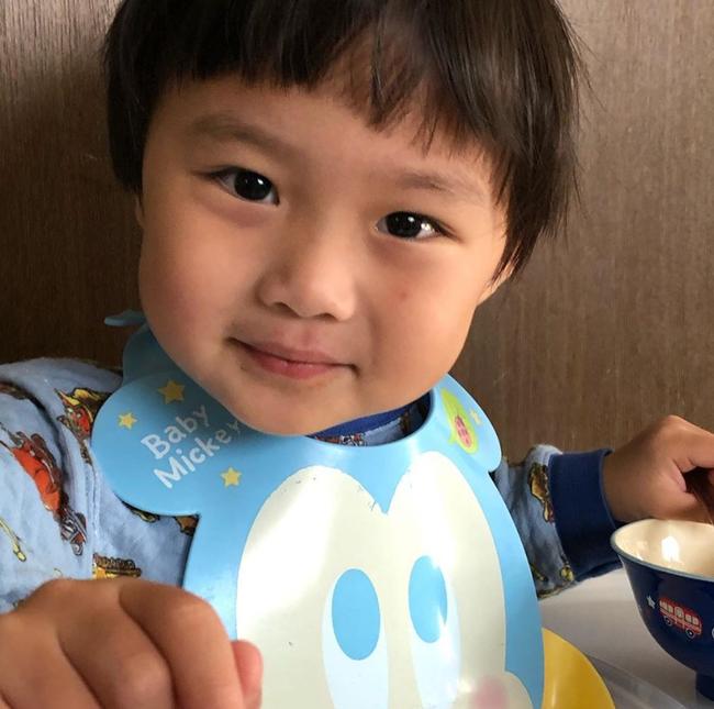 Biết nhóc Sa lầy lội khi quay vlog cùng mẹ Quỳnh Trần JP, song hình ảnh đời thường của Sa qua ống kính của bố mới thật đáng yêu làm sao! - Ảnh 10.