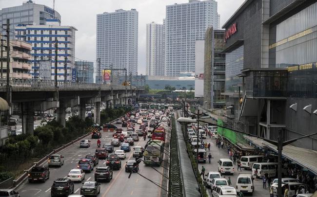 Philippines phát tiền để khuyến khích dân bỏ phố về quê - ảnh 1