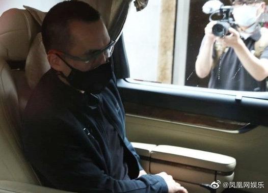 Gia tộc trùm sòng bạc lần đầu lộ diện tổ chức lễ viếng: Ming Xi tiều tụy, Hà Du Quân mặt biến sắc vì câu hỏi nhạy cảm - ảnh 11