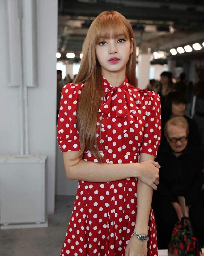 Lisa (BLACKPINK): Từ trainee uất ức, debut vẫn bị lừa 19 tỷ chỉ vì không phải người Hàn đến cú lột xác thành điều kỳ diệu của Kpop - ảnh 15