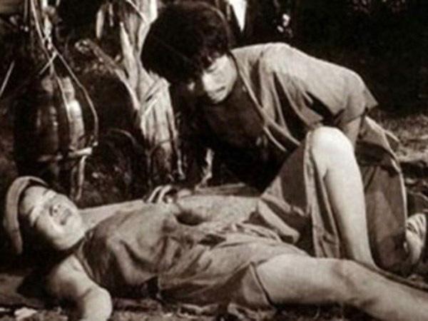 7 cảnh nóng từng gây chấn động làng phim Việt: Số Đỏ tưởng bị cấm chiếu nhưng vẫn lội ngược dòng với vô vàn cảnh gợi cảm - ảnh 1
