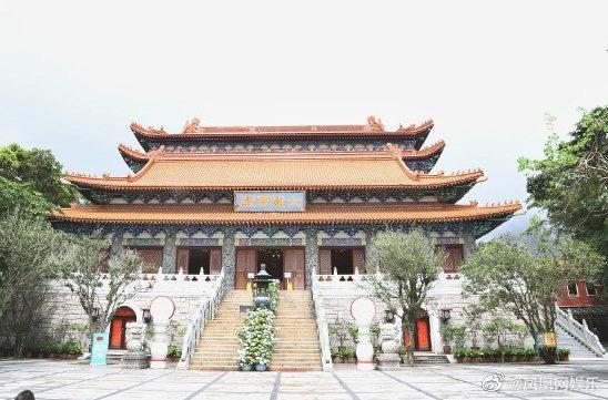 Gia tộc trùm sòng bạc lần đầu lộ diện tổ chức lễ viếng: Ming Xi tiều tụy, Hà Du Quân mặt biến sắc vì câu hỏi nhạy cảm - ảnh 13