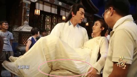 Sự thật sau cảnh anh hùng bế mỹ nhân ở phim Trung: Trần Vỹ Đình, Chung Hán Lương nhìn vậy mà yếu quá độ! - Ảnh 3.
