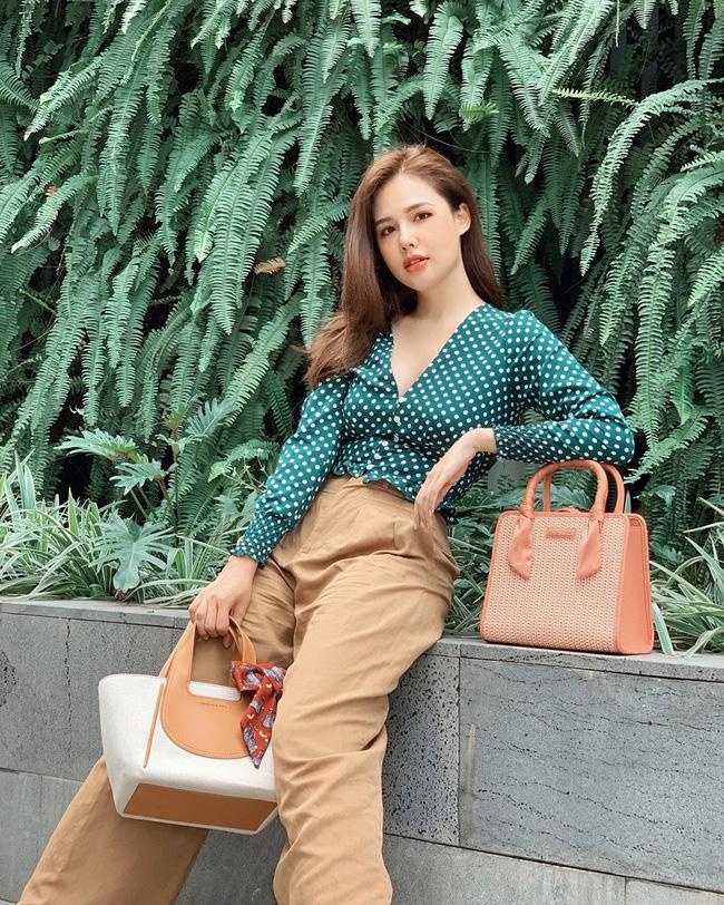 Phanh Lee có 10 cách diện áo blouse cực khéo, chị em học theo thì đi làm hay đi chơi cũng được khen mặc đẹp - Ảnh 4.