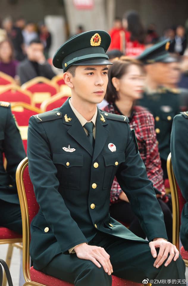 Netizen xuýt xoa trước 6 anh quân nhân điển trai Hoa Ngữ ở loạt phim sắp lên sóng: Hoàng Cảnh Du phù hợp nhất nhưng lại bị vướng phốt? - ảnh 3