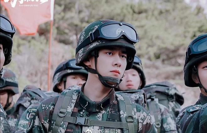 Netizen xuýt xoa trước 6 anh quân nhân điển trai Hoa Ngữ ở loạt phim sắp lên sóng: Hoàng Cảnh Du phù hợp nhất nhưng lại bị vướng phốt? - ảnh 2