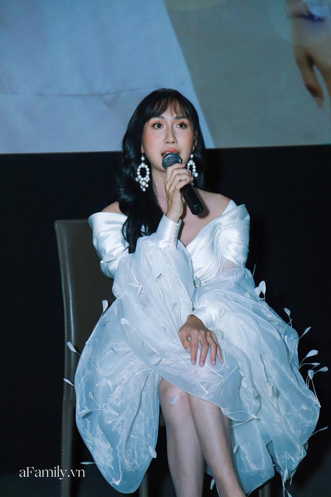 Lynk Lee đụng váy với Ninh Dương Lan Ngọc: Người phiêu du như tiên nữ, người gây ấn tượng với phụ kiện nổi bật - Ảnh 2.
