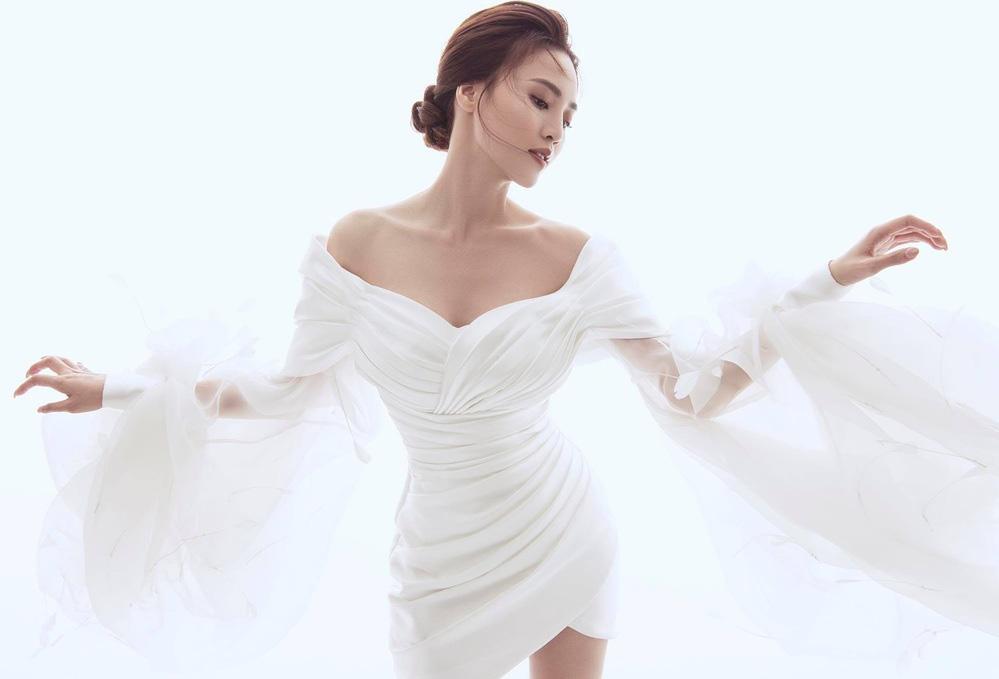 Lynk Lee đụng váy với Ninh Dương Lan Ngọc: Người phiêu du như tiên nữ, người gây ấn tượng với phụ kiện nổi bật - Ảnh 4.