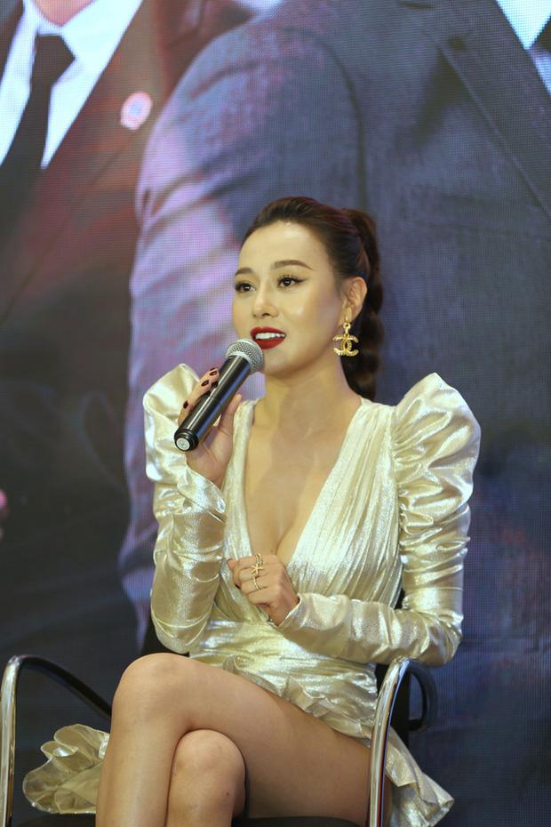 Loạt sự cố trang phục sốc tận óc của các mỹ nhân châu Á, xem mà vừa ngượng vừa thương cho các nàng - Ảnh 13.