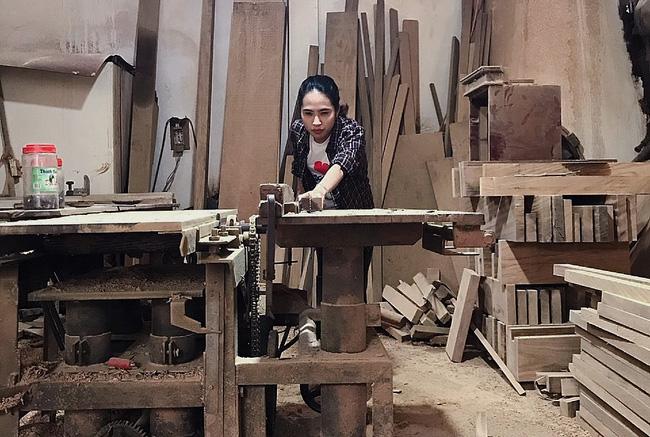 Chuyện nàng cựu sinh viên kiến trúc lương tháng 30 triệu đùng cái bỏ việc về quê làm thợ mộc, khởi nghiệp từ góc chuồng gà - Ảnh 4.