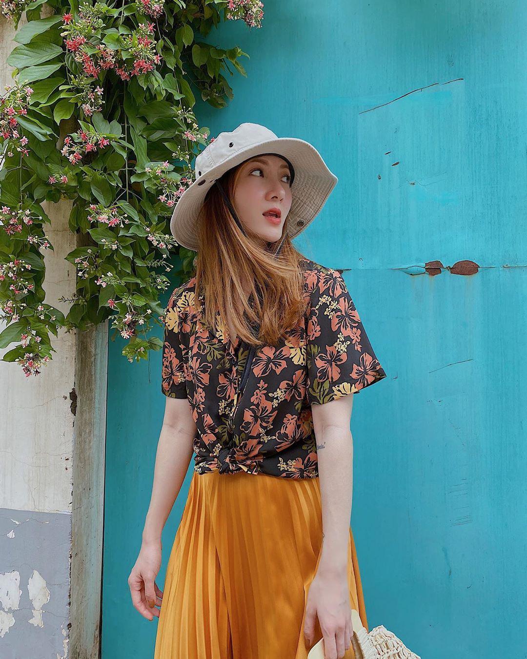 Style Hè của bạn sẽ thật nhàm chán nếu còn chưa sắm ngay 1 em áo họa tiết như sao Việt - Ảnh 2.