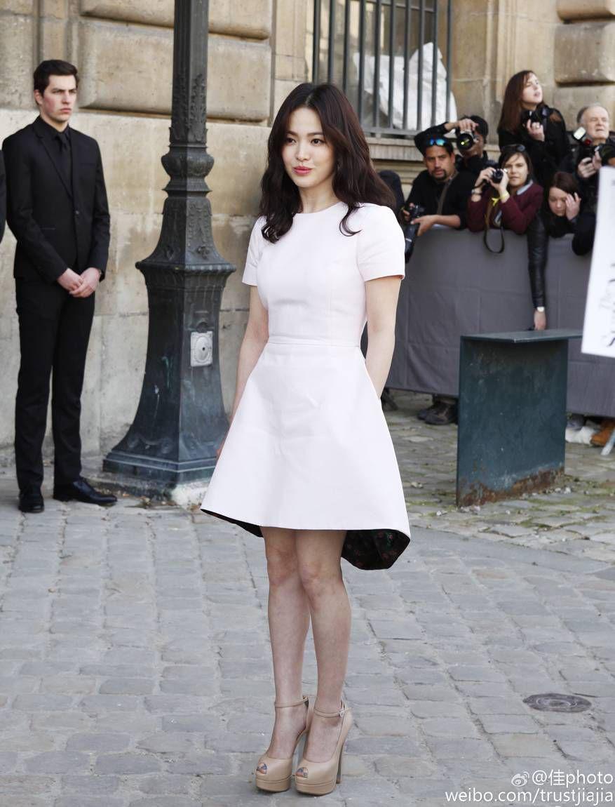 Rút kinh nghiệm từ Song Hye Kyo, chị em sẽ biết mẫu giày nào nên - không nên diện nếu chân ngắn và thô - Ảnh 9.