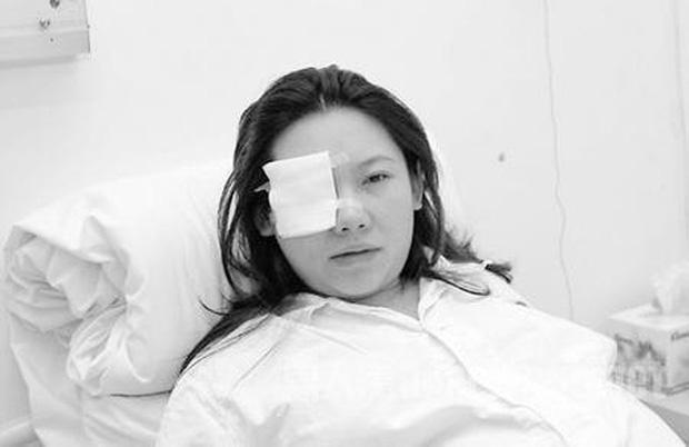 Loạt scandal choảng nhau chấn động Cbiz: Triệu Vy bạo lực, Trần Quán Hy bị đánh bất tỉnh nhân sự nhưng chưa bằng vụ cuối - ảnh 2