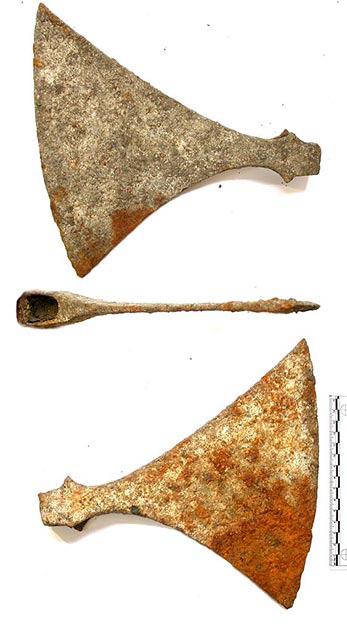 Dỡ sàn nhà lên để đặt tấm cách nhiệt, cặp vợ chồng ngỡ ngàng khi phát hiện bấy lâu nay họ giẫm chân lên một ngôi mộ cổ kỳ bí 1.000 tuổi - ảnh 3