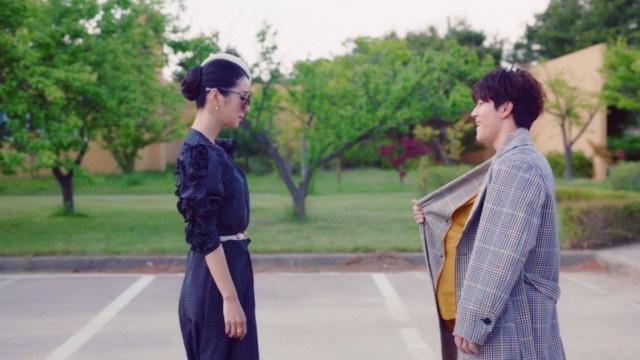 Netizen Hàn phát ngượng vì loạt cảnh quay 18+ của Điên Thì Có Sao: Lẽ nào chúng ta dễ dãi với quấy rối tình dục thế sao? - Ảnh 4.