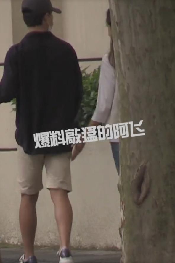 Nam chính Người phiên dịch Hoàng Hiên bị bắt gặp thân mật cùng gái lạ, nghi ngờ có tình yêu mới? - ảnh 6