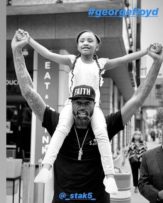 Con gái 6 tuổi của George Floyd không biết sự thật về cái chết của bố nhưng cô bé đã nói một câu khiến nhiều người phải suy ngẫm - ảnh 1