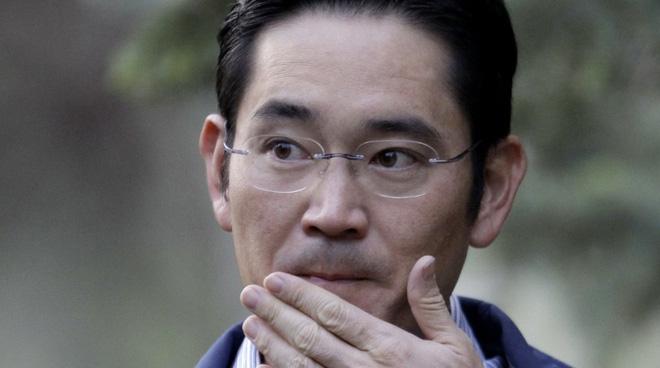 """Vừa được ân xá không lâu, """"thái tử"""" Samsung bị bắt giữ lần 2 vì tội gian lận và thao túng thị trường - ảnh 1"""
