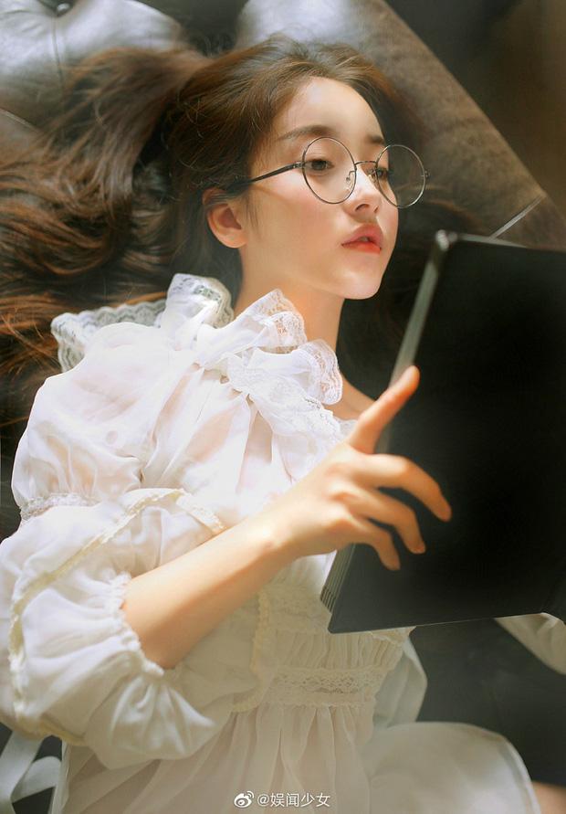 Vừa gây sốt mạng xã hội với loạt ảnh nữ thần, Khương Trinh Vũ phải tạm dừng ghi hình Sáng tạo doanh vì chấn thương - ảnh 2