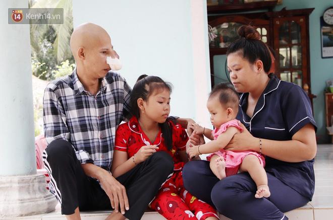 Bước đường cùng của người cha bị ung thư hốc mũi ôm 2 đứa con thơ dại: Con sợ cha chết, không sống cùng tụi con nữa - ảnh 8