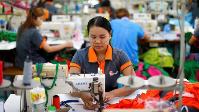 Gần 17.000 công nhân Thái Lan mất việc do dịch Covid-19 - ảnh 1