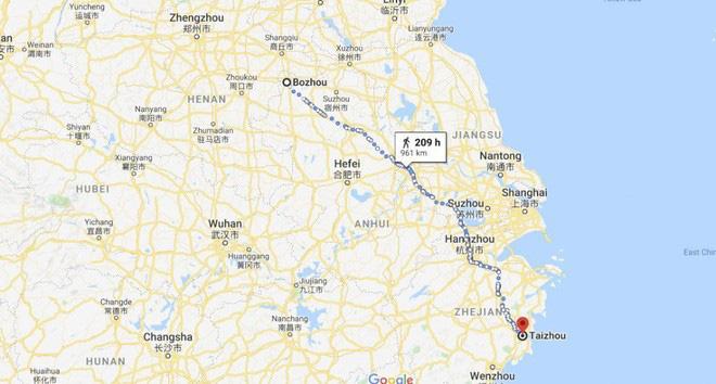Phải đi bộ 950 km vì bị cấm lên xe buýt do không có smartphone ở Trung Quốc - ảnh 2