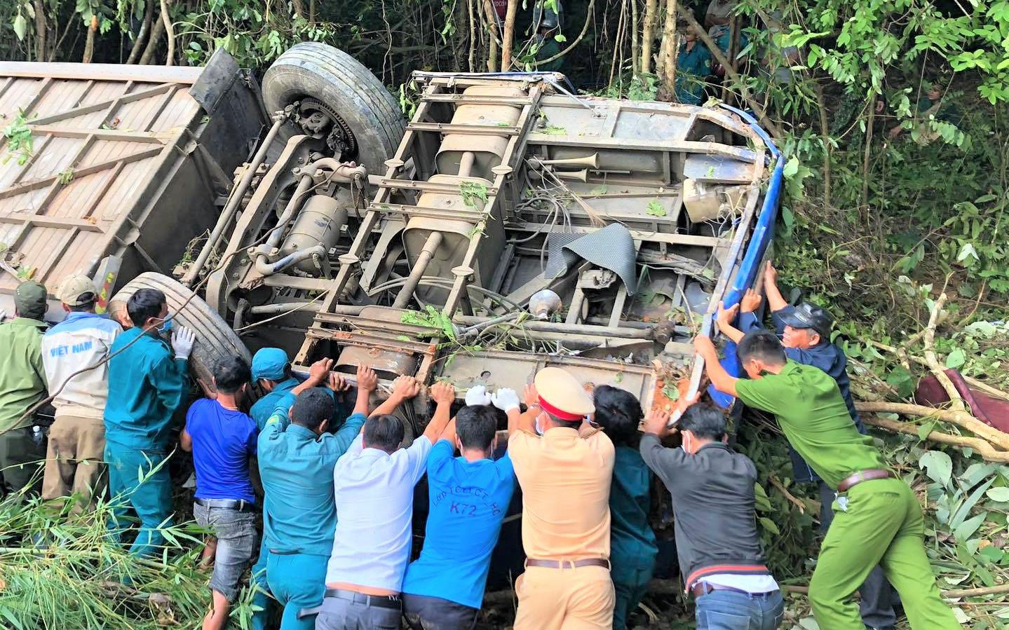 Tiết lộ bất ngờ về vụ xe khách lao xuống vực khiến nhiều người chết và bị thương ở Kon Tum