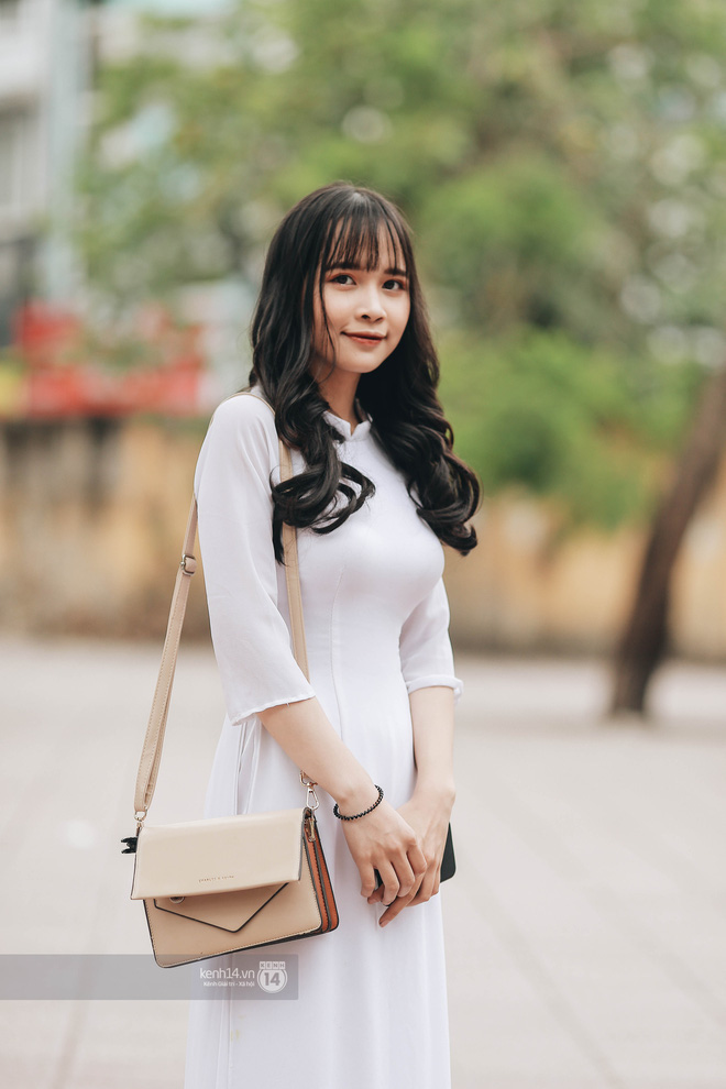 Đặc sản mùa bế giảng Hà Nội và TP. HCM: Cả trời gái sinh gây thương nhớ, mặc áo dài hay đồng phục đều mê chữ ê kéo dài - ảnh 10
