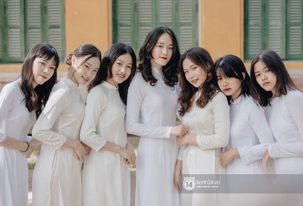 Đặc sản mùa bế giảng Hà Nội và TP. HCM: Cả trời gái sinh gây thương nhớ, mặc áo dài hay đồng phục đều mê chữ ê kéo dài - ảnh 6