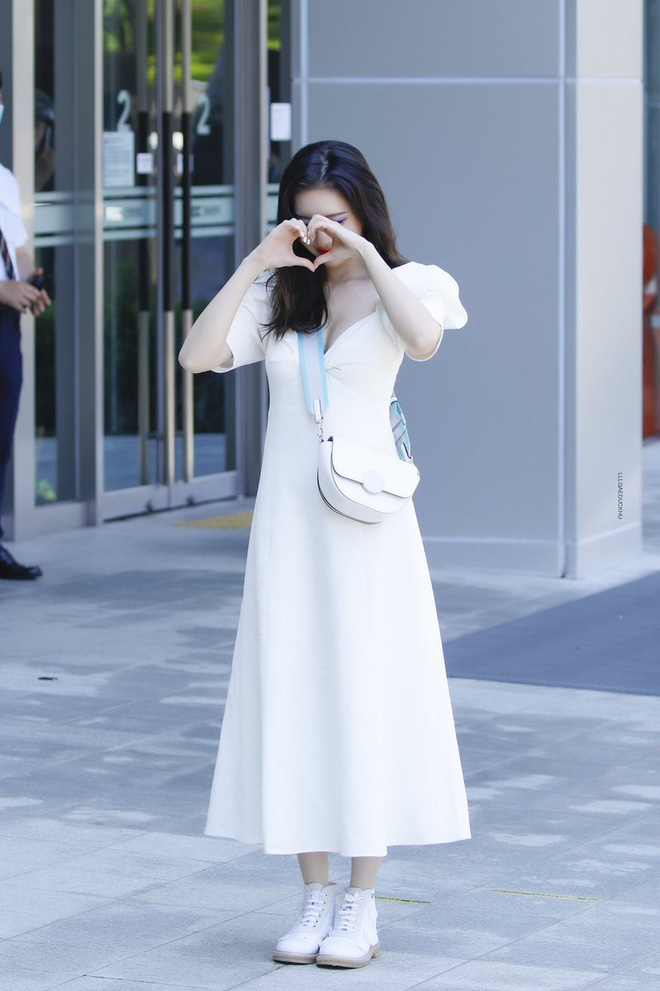 """Sunmi diện váy Zara rõ xinh nhưng các """"bánh bèo"""" có thể sắm váy na ná đẹp không kém với giá chỉ bằng một nửa - ảnh 3"""