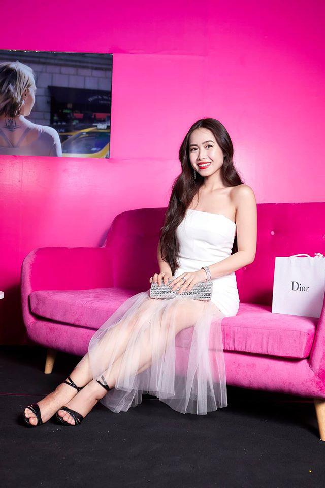 Profile khủng của nữ chính tập 11 Người ấy là ai: Từng sống ở Nga, du học tại Úc, hot beauty blogger đạt nút bạc Youtube - Ảnh 7.