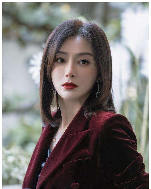 Phú Sát hoàng hậu Tần Lam gây xôn xao với phát biểu cực gắt: Tử cung của tôi liên quan gì đến các người - Ảnh 2.